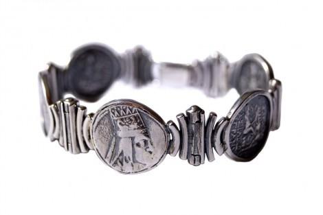 Tigranes The Great Lady's Bracelet, an art piece by Harutyun Karagyan