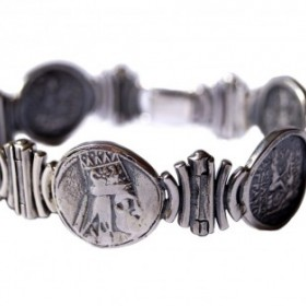 Tigranes The Great Lady's Bracelet, an art piece by Harutyun Karagyan
